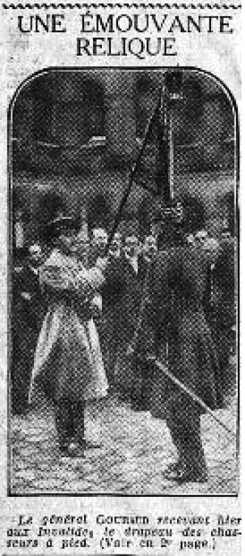PARIS_24.12.1925 721883Gouraud_et_drapeau_chasseur