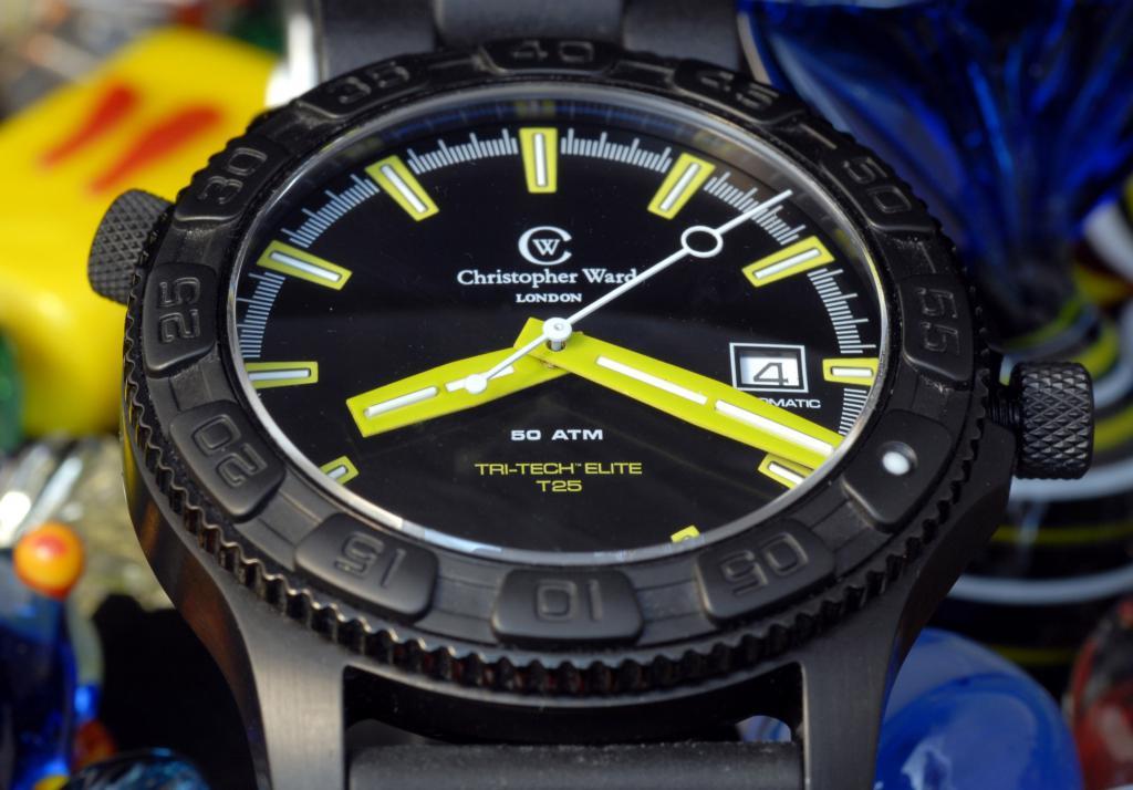Un avis sur les montres Christopher Ward SVP. 74292803_contre_plongee