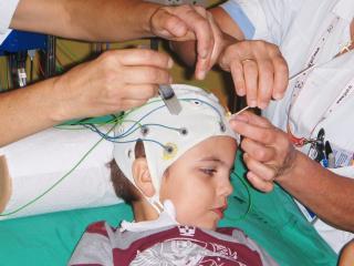 maman c est quoi un EEG ?????? 754076HPIM8259