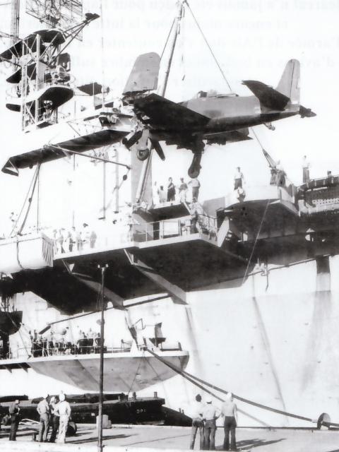 GRUMMAN F8F BEARCAT 762942Grumman_F8F_1B_Bearcat_1