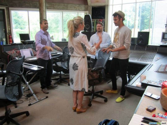 Gary au studio Real World rejoignant le projet lotus 06.10 778272xgl1v97ijtw6wi9u8m07_s