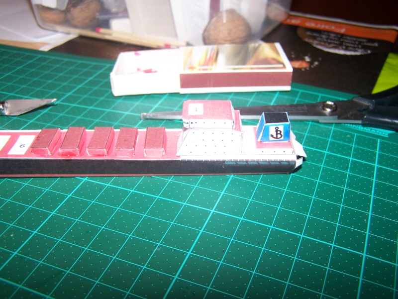 Construction du cargo Bulk Carrier en papier 803762850761100_1940