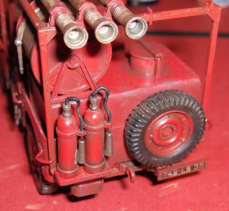Fire Jeep 1/24 Italeri - Page 5 861382HPIM0847
