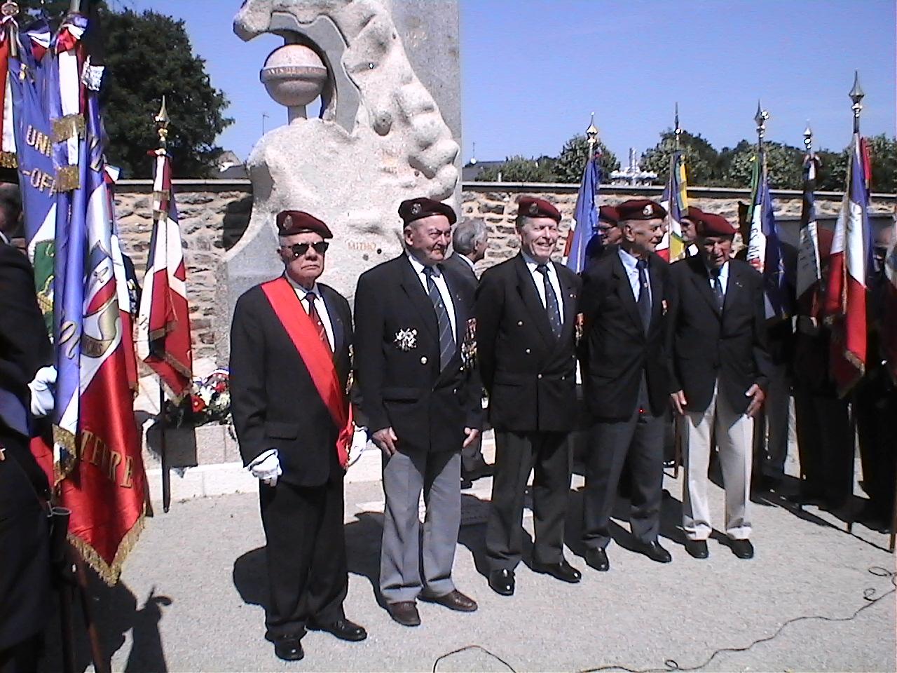 Cérémonie en hommage au Général BIGEARD au mémorial de Lauzach (56) 873142DVC02522