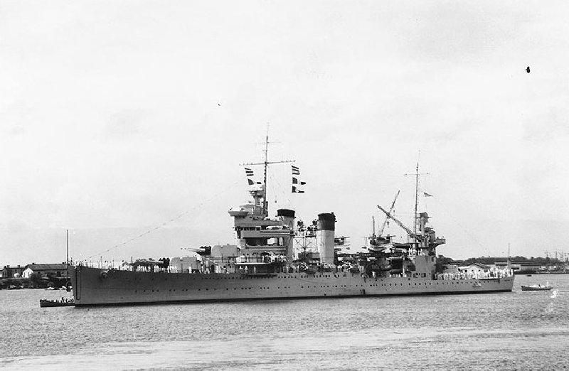 Le croiseur lourd USS New Orleans (CA-32) TRUMPETER au 1/700 929807h50757
