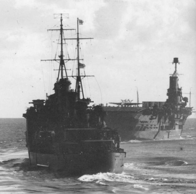ROYAL NAVY PORTE AVIONS ARK ROYAL 935997Ark_Royal_7__avec_Sheffield_Force_H_Bismarck