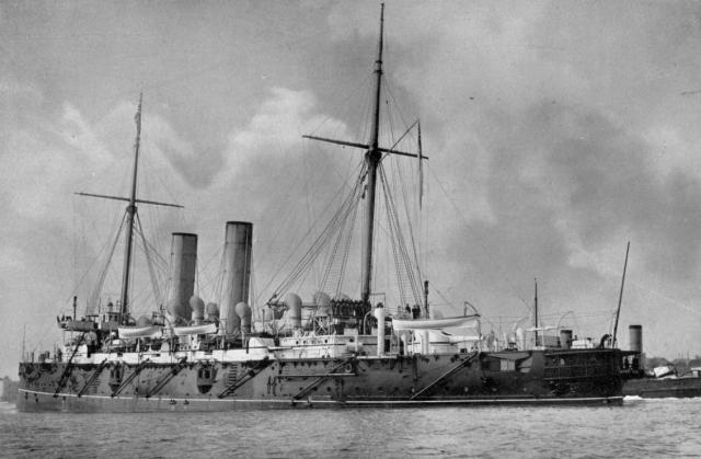 ROYAL NAVY CROISEURS LOURDS CLASSE COUNTY 940149Croiseur_cuirasse_HMS_Gibraltar_classe_Edgar