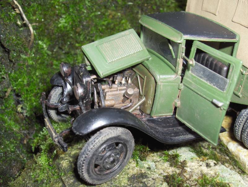 Camion Russe  GAZ-AAA 1934/1943 Zvezda 1/35 terminé!!! 940217HPIM1645