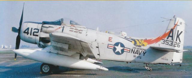 DOUGLAS A-1 SKYRAIDER 975533A_1H_1