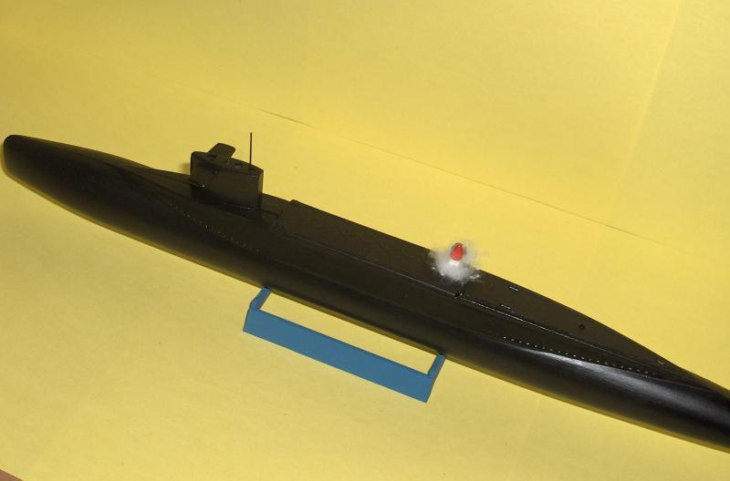 Sous marins Redoutable/Triomphant par Flash au 1/400 - heller 977743HPIM1179