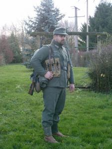 Allez je me lance! (Panzergrenadier de la 21 eme Pzdiv) Mini_608690S7300635