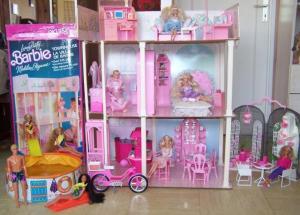 [BARBIE] Les Barbies de nhtpirate1980 Mini_70702barbie_maison