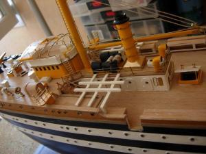 maquette Amérigo Vespucci 1/100 de chez Mantua - Page 6 Mini_85510DSCN4220