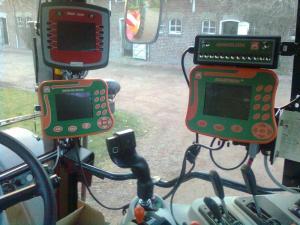 UX 5200 et MF 7490 sont arrivés Mini_922488Photo0116