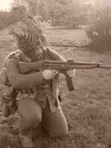 Allez je me lance! (Panzergrenadier de la 21 eme Pzdiv) Mini_965621S7300649