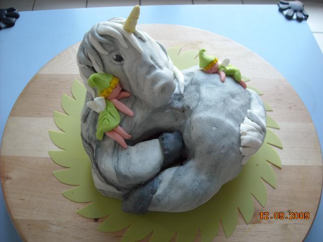 cheval, zèbre et licorne - Page 3 24022DSCN3854