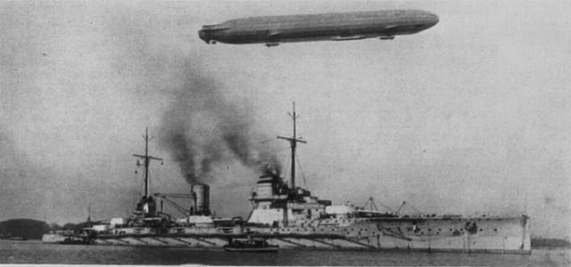 ROYAL NAVY CROISEUR DE DE BATAILLE HMS HOOD 242294SMS_Seydlitz_mit_Zeppelin