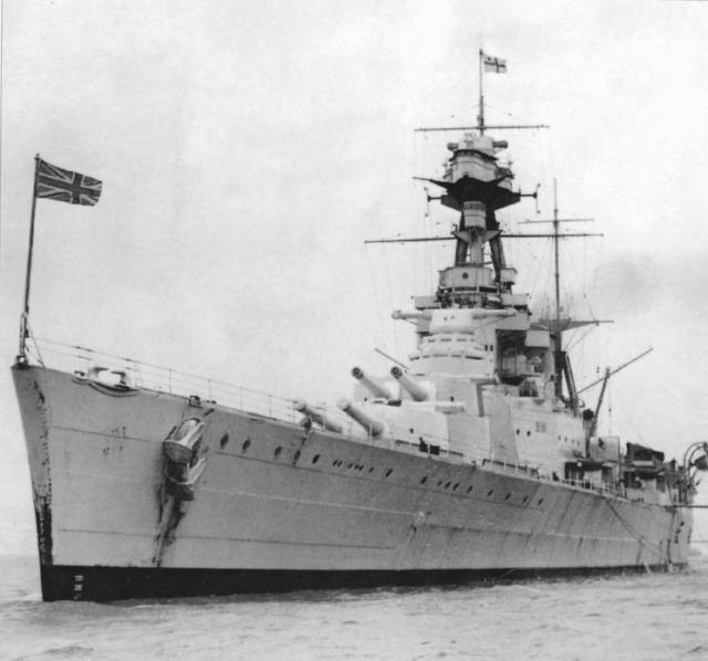 ROYAL NAVY CROISEUR DE DE BATAILLE HMS HOOD 319420HMS_Hood_Porsmouth_1937