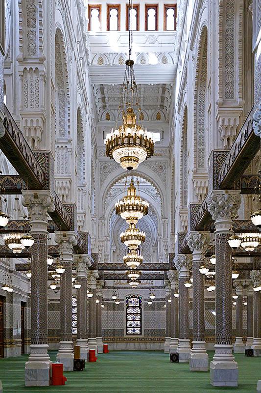 la mosquée Emir Abdelkader. 32573576219171.uCvLxr0W.20051208_4025_DxO355_rawc_ptguicopie