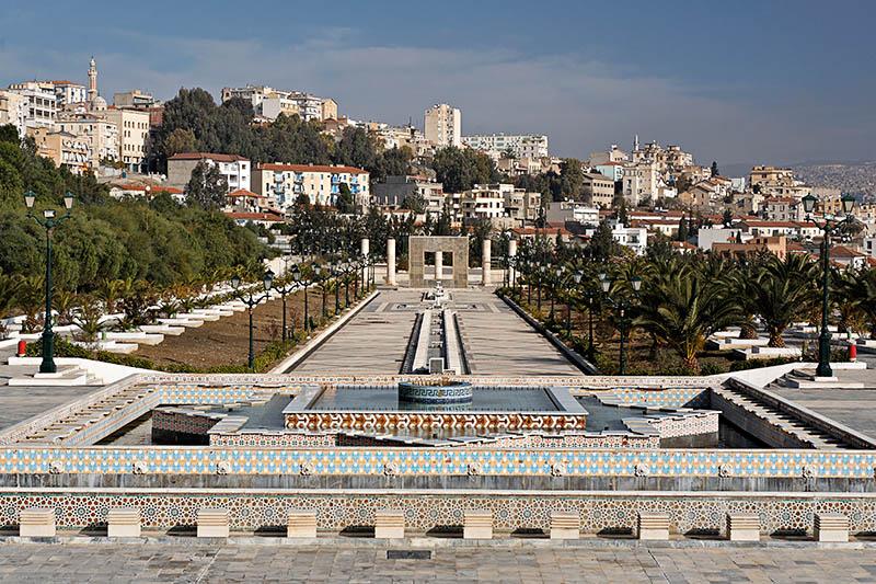 la mosquée Emir Abdelkader. 34812376219160.dHftPeGI.20051208_3986_DxO355_rawcopie