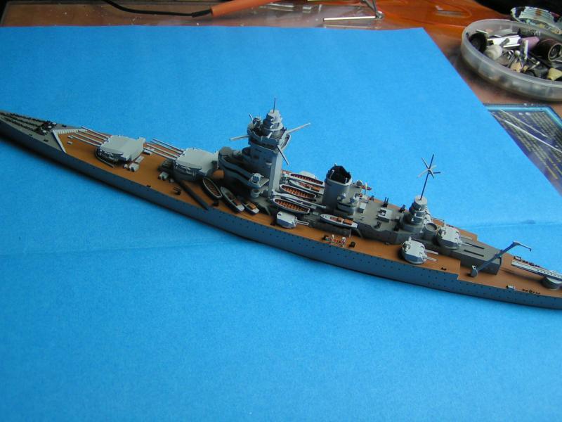Croiseur de bataille Strasbourg au 700 en résine 48123PICT0004