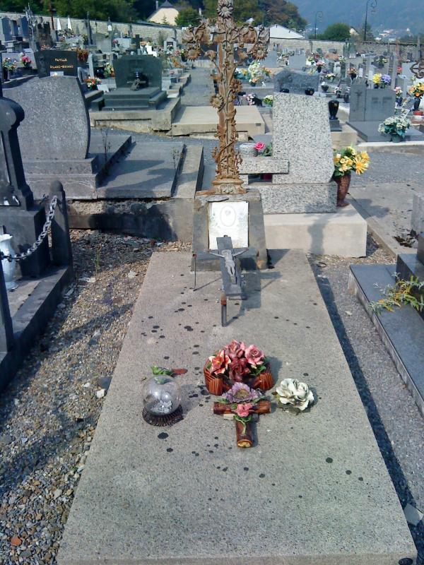 Cimetière de Bogny sur Meuse (08) 483160DSC00290