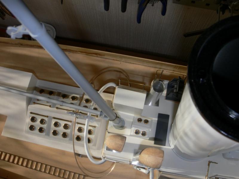 """Maquette remorqueur à vapeur de 330 tonnes """"Evenos"""" au 1/20ème 485261P1050442__Resolution_de_l__ecran_"""