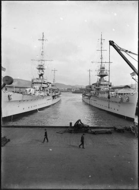 ROYAL NAVY CROISEUR DE DE BATAILLE HMS HOOD 485889HMS_Diomede_and_Dunedin_in_Wellington