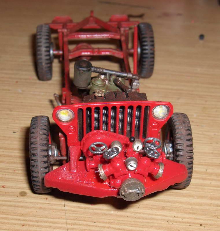 Fire Jeep 1/24 Italeri - Page 2 520971HPIM0758