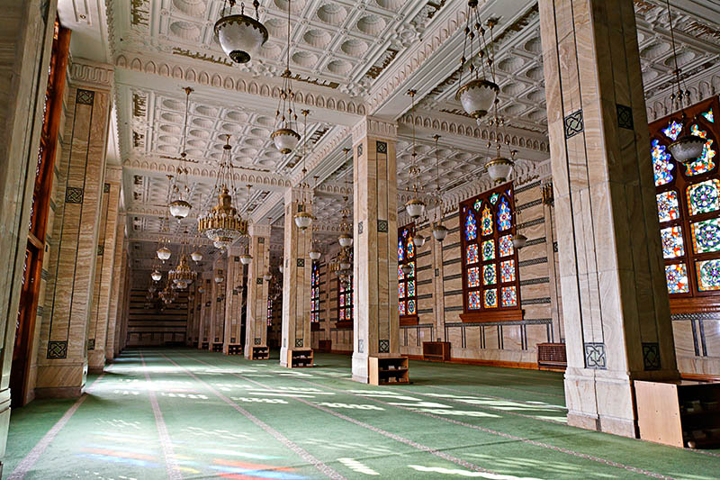 la mosquée Emir Abdelkader. 53930476219167.OMkEUzeq.20051208_4012_DxO355_rawccopie