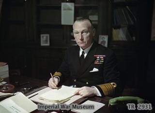 ROYAL NAVY CROISEUR DE DE BATAILLE HMS HOOD 539483John_Tovey