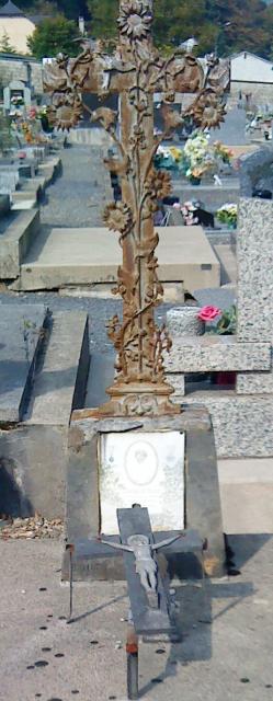 Cimetière de Bogny sur Meuse (08) 544235Lavialle2