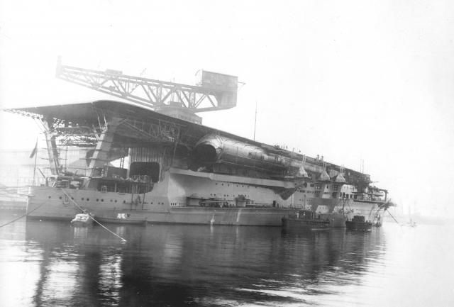 JAPON PORTE-AVIONS KAGA 657153Japanese_Navy_Aircraft_Carrier_Kaga_1928
