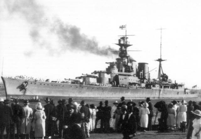 ROYAL NAVY CROISEUR DE DE BATAILLE HMS HOOD 699217HMS_Hood_Fremantle_1924
