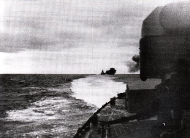 ROYAL NAVY CROISEUR DE DE BATAILLE HMS HOOD 725099Hood_vs_Bismarck_12