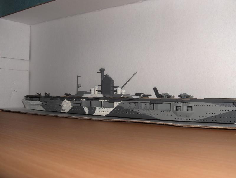 DKM Graf Zeppelin [revell 1/720] 901322HPIM1071