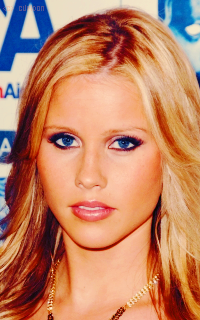 Claire Holt Bv8t