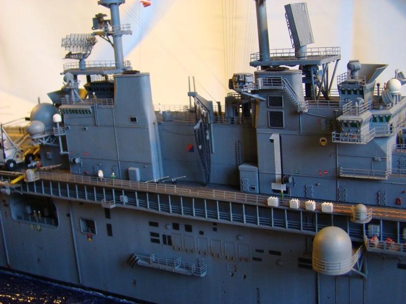 USS WASP LHD-1 1/350 Revell  Dsc09185e