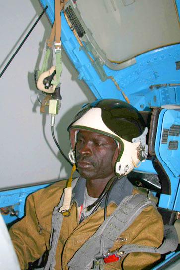 Armée Ougandaise/Uganda Peoples Defence Force (UPDF) - Page 2 20121022006