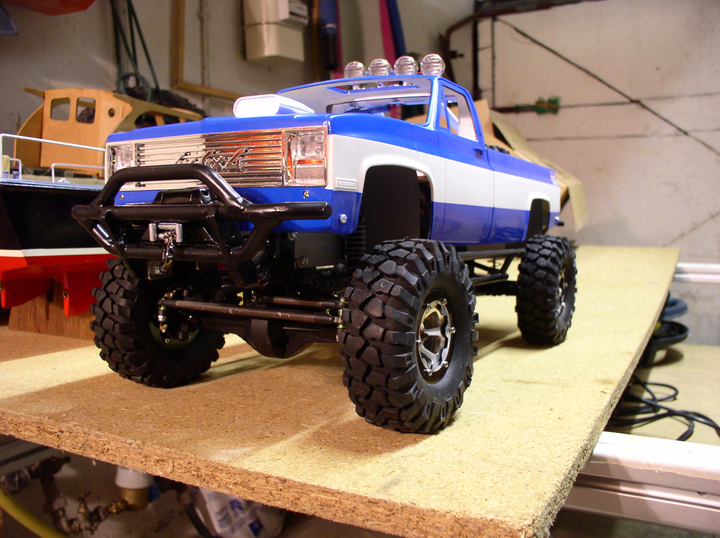 """[ SCX10 Axial ] CHEVROLET K5 Pick-up, benne rallongée.""""TERMINE"""" - Page 3 Treuil"""