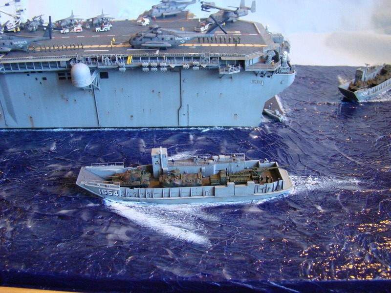 USS WASP LHD-1 1/350 Revell  Dsc09155lk