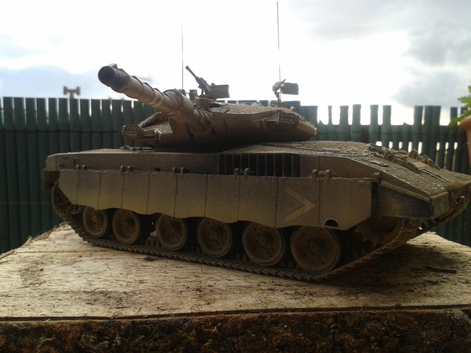 IDF MERKAVA MK.3D EARLY au 1/35 By Meng.....Terminer !!!! et sur son dio.... - Page 2 20130402175513