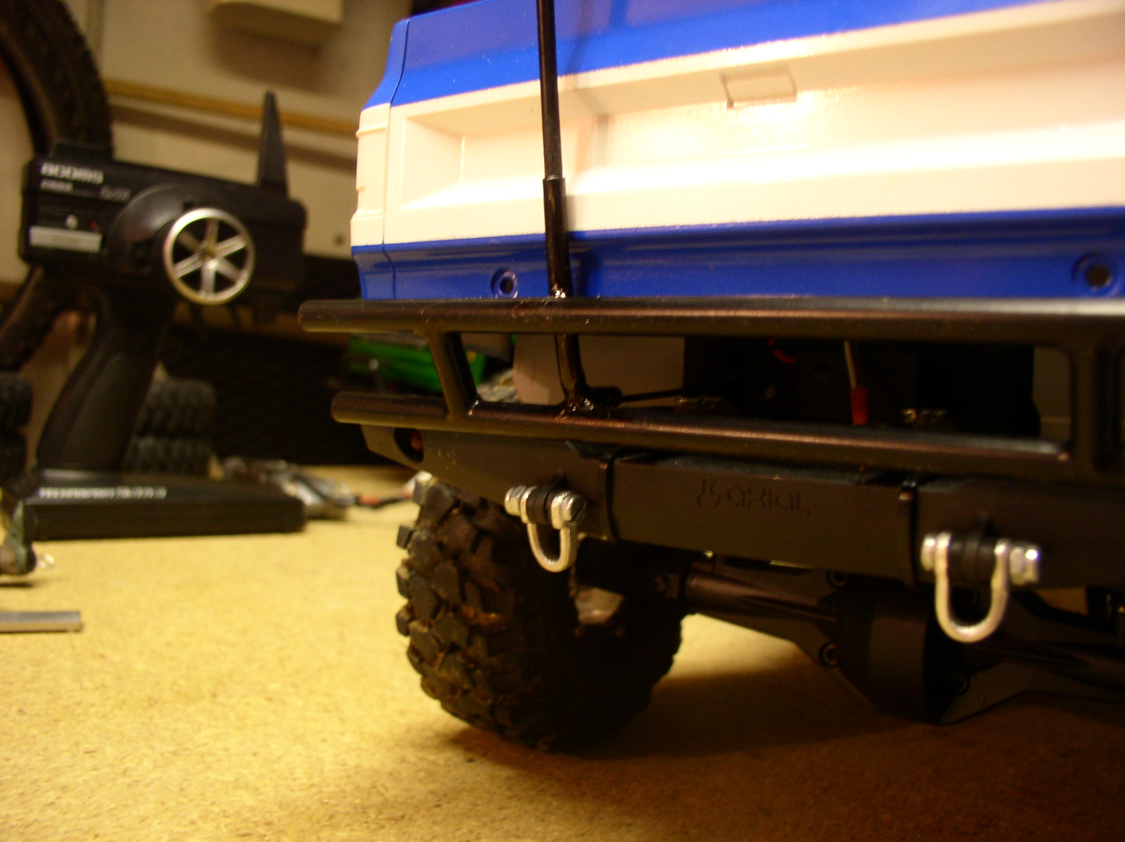 "[ SCX10 Axial ] CHEVROLET K5 Pick-up, benne rallongée.""TERMINE"" - Page 5 Supportantenne1"