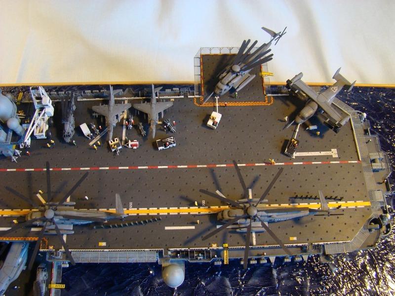 USS WASP LHD-1 1/350 Revell  Dsc09189y