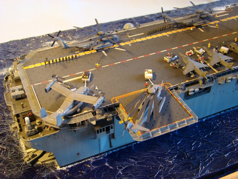 USS WASP LHD-1 1/350 Revell  Dsc09175c