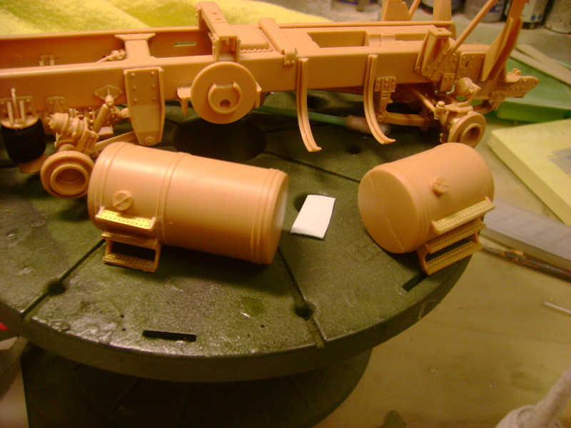 M1070 Truck Tractor & M1000 Semi-Trailer By T-bird!!!!! 1/35 Hobby Boss.Up du01/02.... - Page 2 88979118