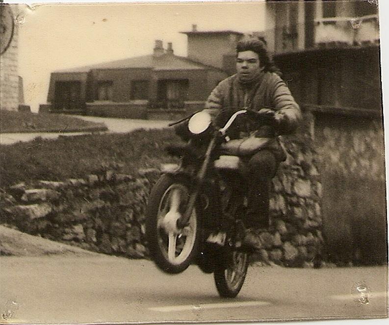 Fotos moteras nostálgicas años '80 en Donosti 1988valeinesescanear000