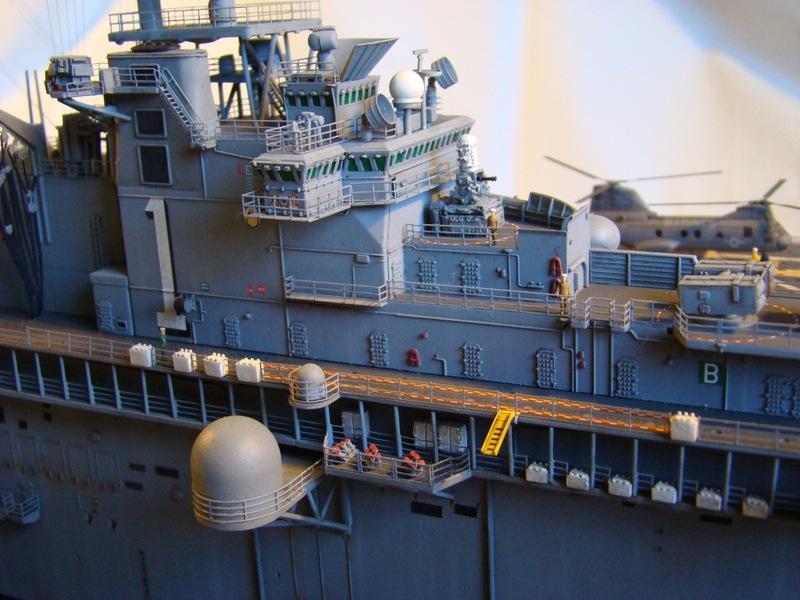USS WASP LHD-1 1/350 Revell  Dsc09179u