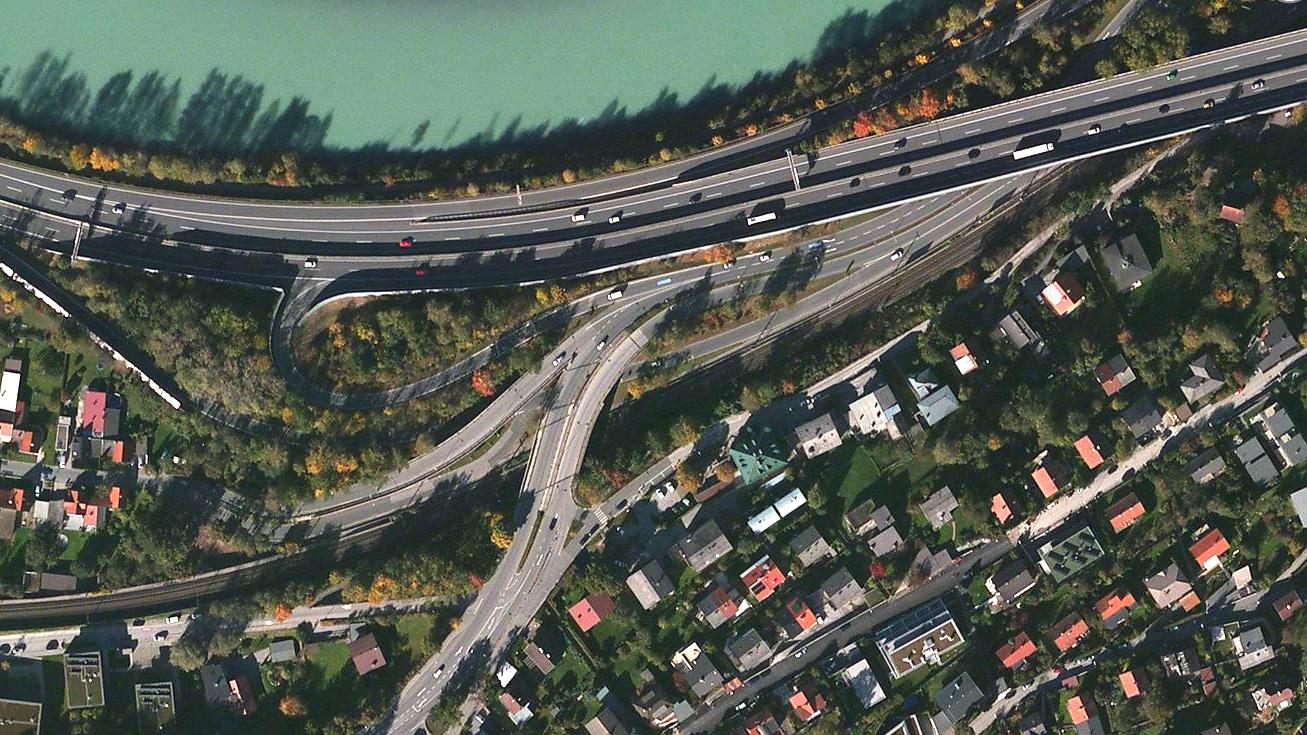 Innsbruck, Τirol Αυστριας παρεα με το 3490 για 2000 χιλιομετρα S5kb