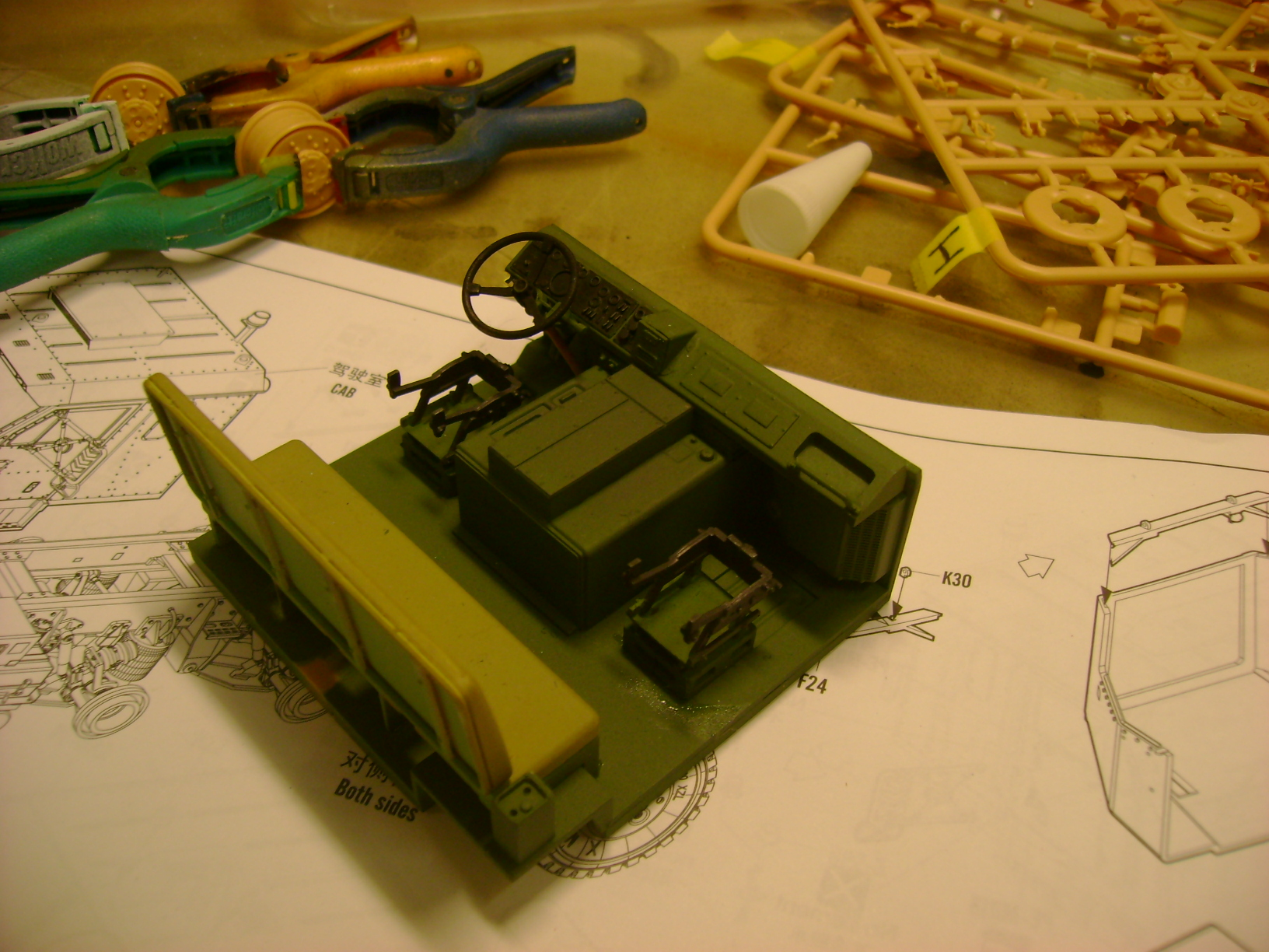 M1070 Truck Tractor & M1000 Semi-Trailer By T-bird!!!!! 1/35 Hobby Boss.Up du01/02.... - Page 3 15494531